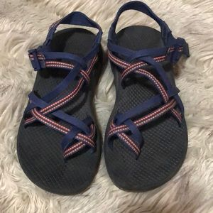Size 8 Chacos with toe loop